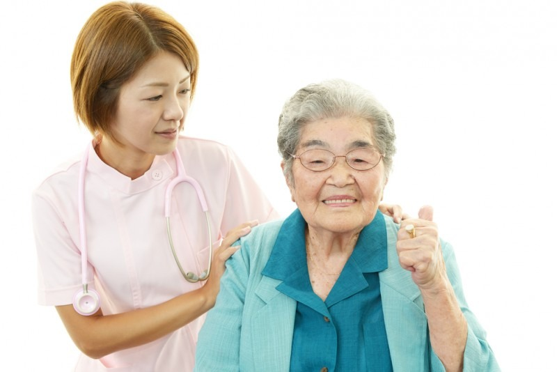 4 Things to Expect When Hiring a Caregiver 1 (1)
