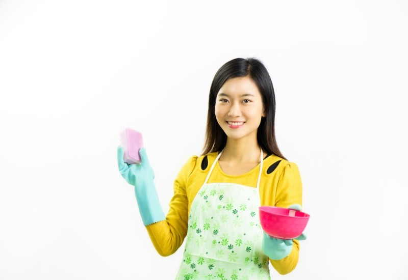 all-the-indonesian-maid-needs-to-know-about-using-a-sponge-2